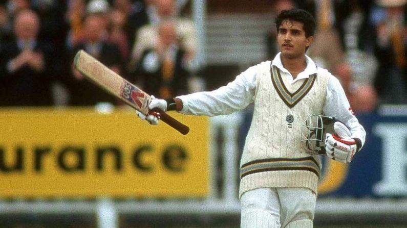 ಅನುಭವಿ ಎಡಗೈ ಬ್ಯಾಟ್ಸ್ಮನ್ ಮತ್ತು ಭಾರತದ ಮಾಜಿ ನಾಯಕ ಗಂಗೂಲಿ 1996 ರ ಜೂನ್ 20 ರಂದು ಐತಿಹಾಸಿಕ ಲಾರ್ಡ್ಸ್ ಕ್ರಿಕೆಟ್ ಮೈದಾನದಲ್ಲಿ ಇಂಗ್ಲೆಂಡ್ ವಿರುದ್ಧ 20 ಜೂನ್ 1996 ರಂದು ಚೊಚ್ಚಲ ಪ್ರವೇಶ ಮಾಡಿದರು. ಗಂಗೂಲಿ ತಮ್ಮ ಮೊದಲ ಪಂದ್ಯದಲ್ಲಿ 131 ರನ್ ಗಳಿಸಿದರು ಮತ್ತು ಅದ್ಭುತ ಶತಕ ಗಳಿಸಿದರು. ಗಂಗೂಲಿ 113 ಟೆಸ್ಟ್ ಪಂದ್ಯಗಳನ್ನು ಆಡಿದ್ದಾರೆ, ಇದರಲ್ಲಿ ಅವರು 16 ಶತಕ ಮತ್ತು 35 ಅರ್ಧಶತಕಗಳ ಸಹಾಯದಿಂದ 7212 ರನ್ ಗಳಿಸಿದರು ಮತ್ತು ಸರಾಸರಿ 42.17.