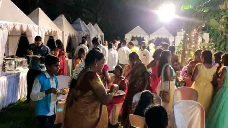mandya tahsildar violates corona rules