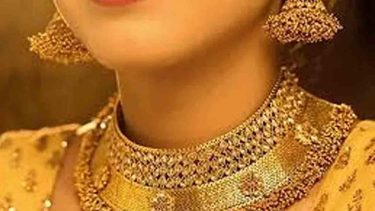 Gold Price Today: ವೀಕೆಂಡ್ನಲ್ಲಿ ಆಭರಣ ಖರೀದಿಸಬೇಕು ಅಂದುಕೊಂಡಿದ್ದರೆ ಚಿನ್ನ, ಬೆಳ್ಳಿ ದರ ವಿವರ ಪರಿಶೀಲಿಸಿ