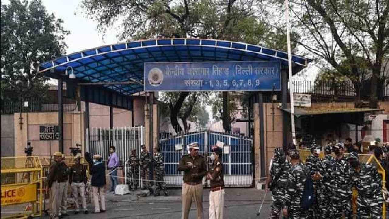 Unitech Case: ಯುನಿಟೆಕ್ ಪ್ರಕರಣ; ತಿಹಾರ್ ಜೈಲಿನ 30 ಅಧಿಕಾರಿಗಳ ಅಮಾನತು
